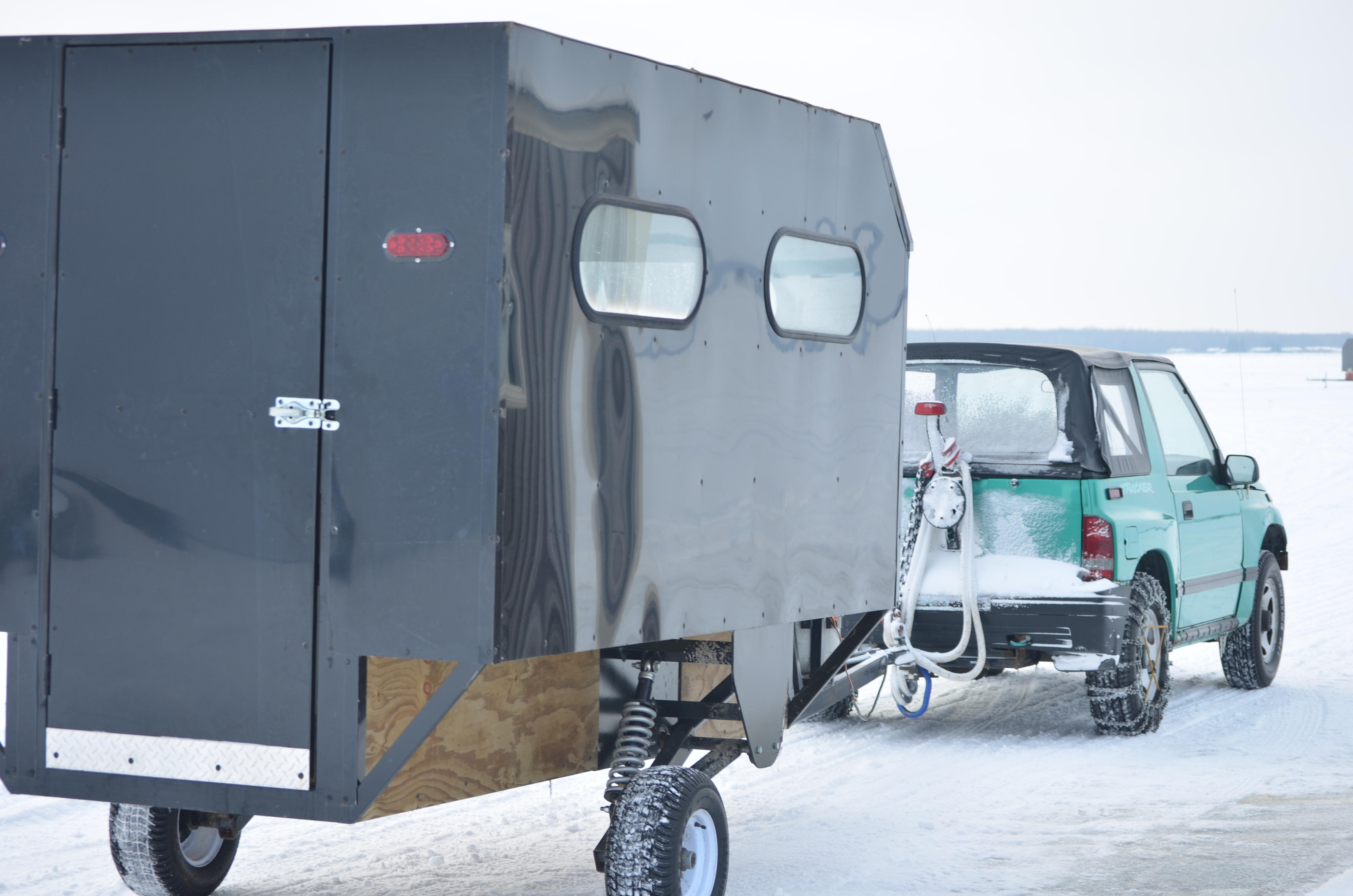light-ice-rig-with-people-hauler-trailer_cyrus-resort