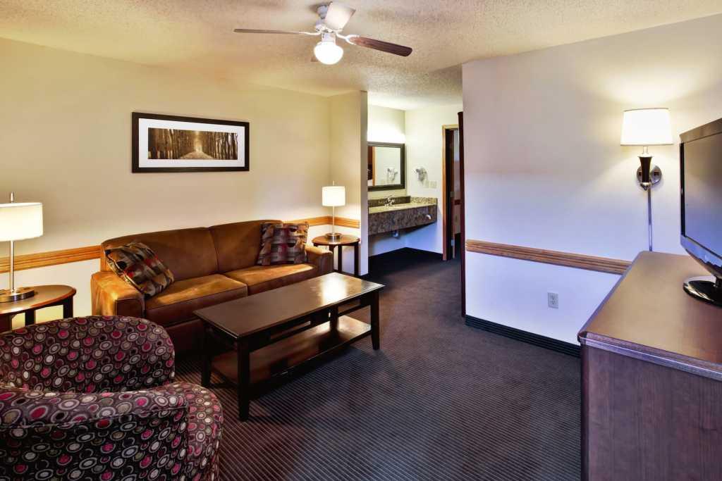 51949 living room 1