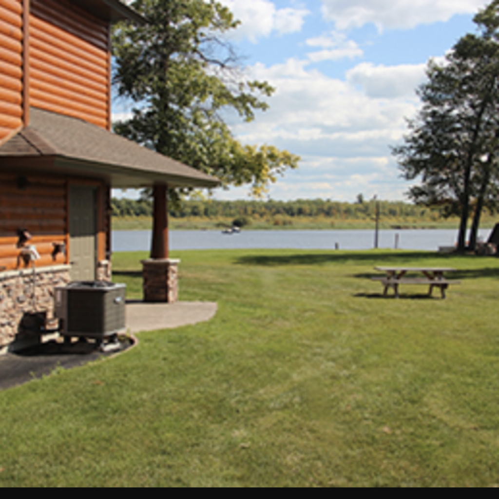 sportsmans-lodge_cabin-outside-view
